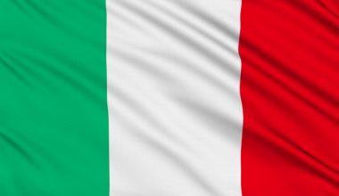Włosi mieszają z dokumentami